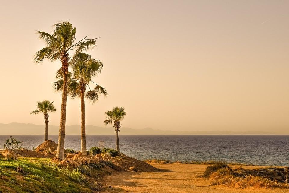 Кипр может открыться в июле