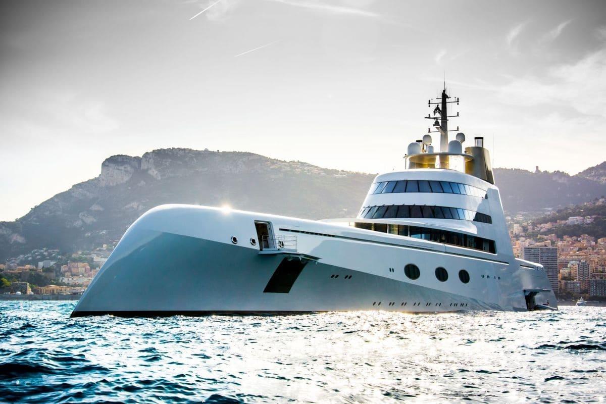 самая огромная яхта в мире фото основном