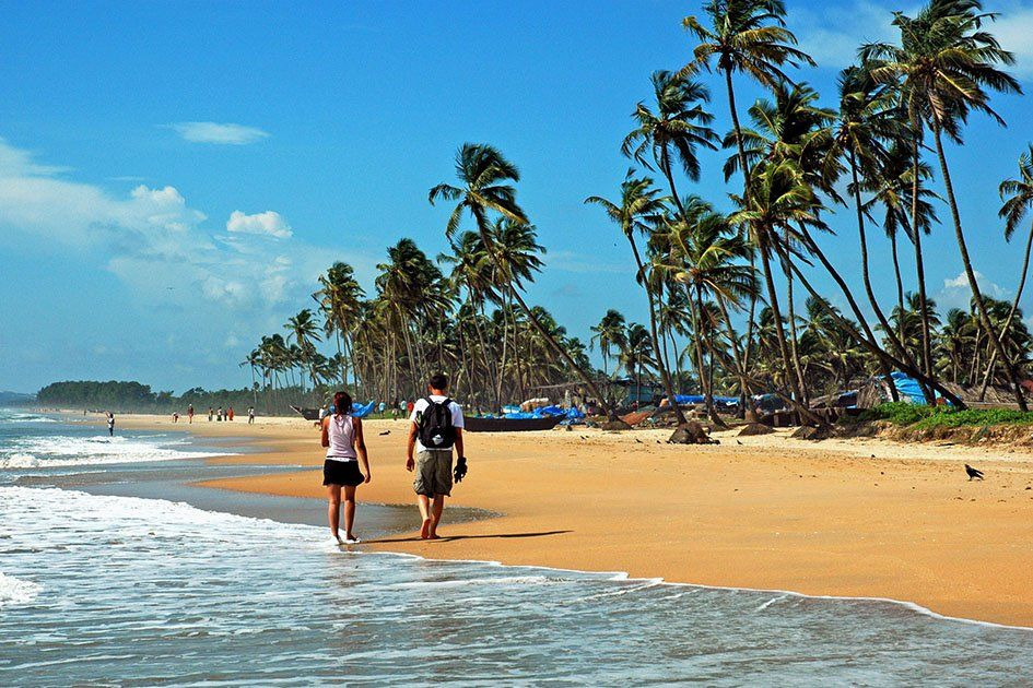 tourists-sea-beach-goa.jpg